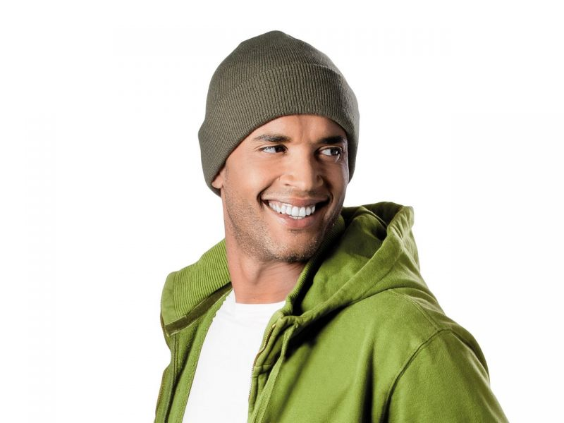 KP031 - KNITTED HAT